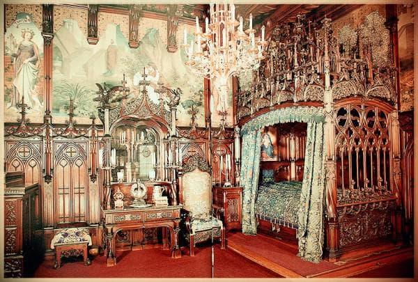 Комната в готическом стиле