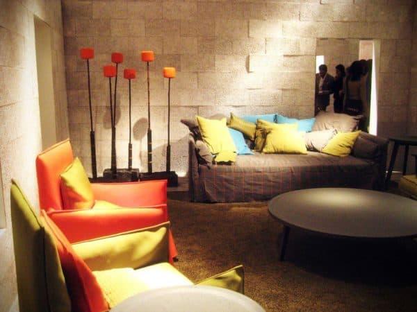 яркие цвета в интерьере в стиле авангард