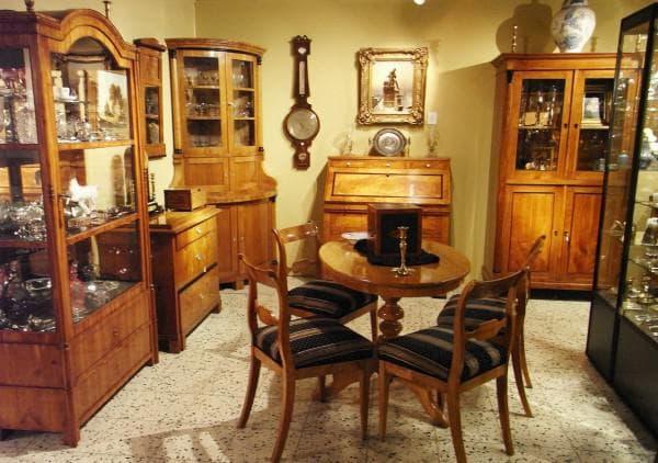 столовая комната в стиле бидермейер