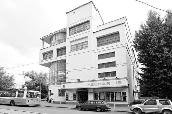 Плановые застройки при СССР зданиями в стиле конструктивизм