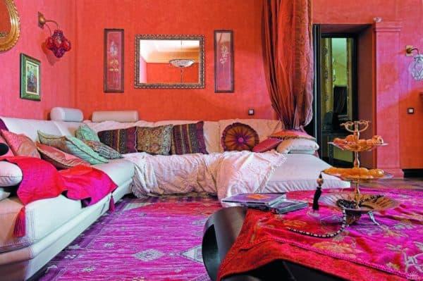 яркие тона в марокканском стиле интерьера