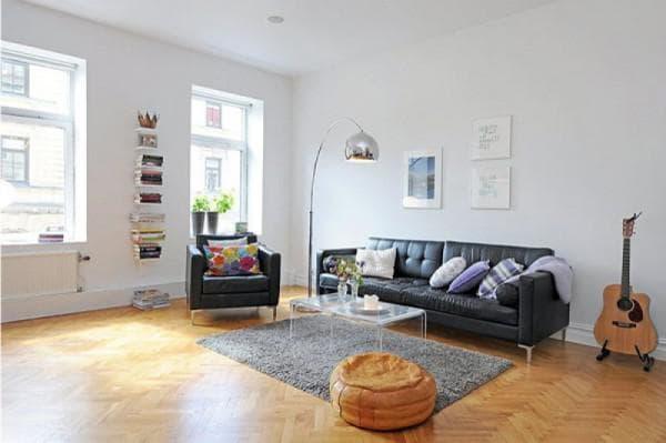элементы скандинавского стиля в просторной гостиной