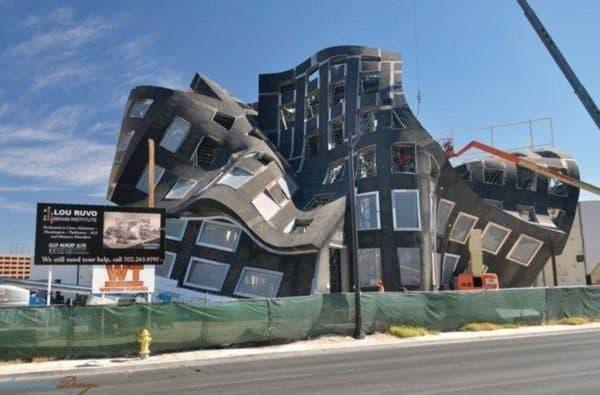 дома в стиле деконструктивизм
