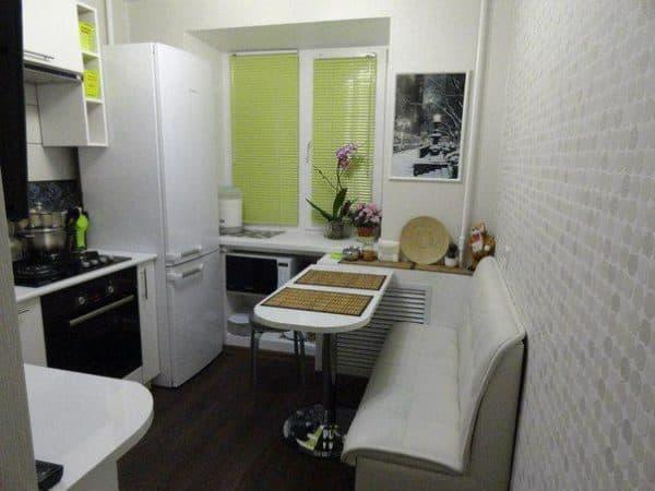 небольшая кухня в современном стиле интерьера