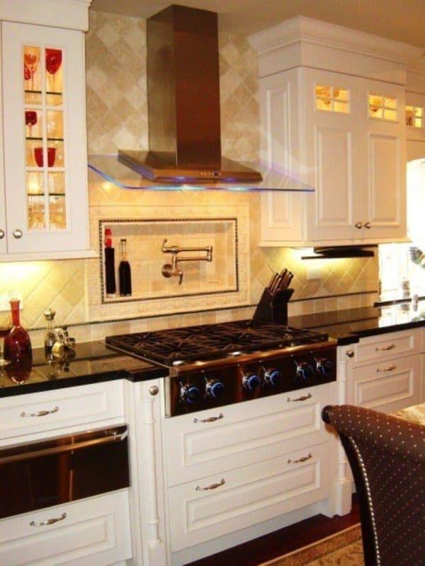 дизайн длинной узкой кухни