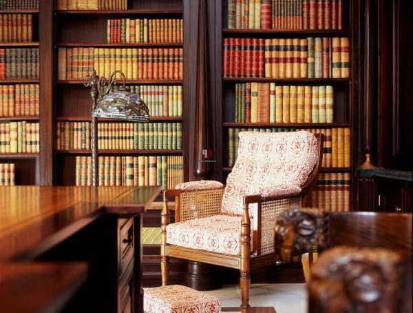библиотека и кабинет в английском стиле