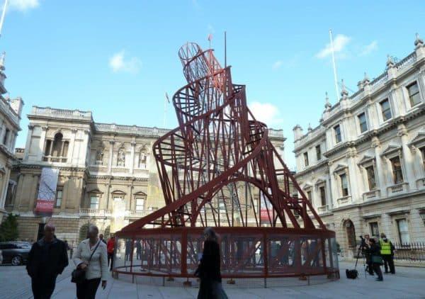скульптура в стиле авангард