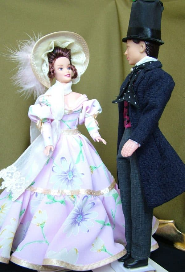 фарфоровые куклы в нарядах в стиле бидермейер