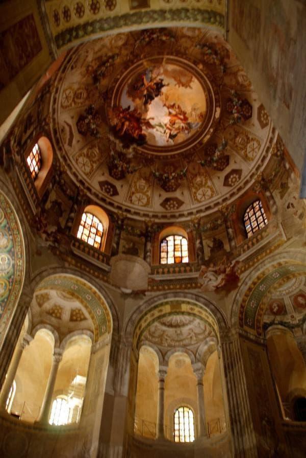 Базилика Сан-Витале