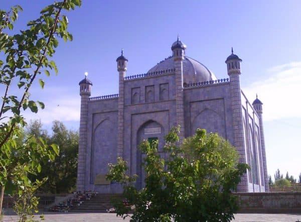 храм в восточном стиле
