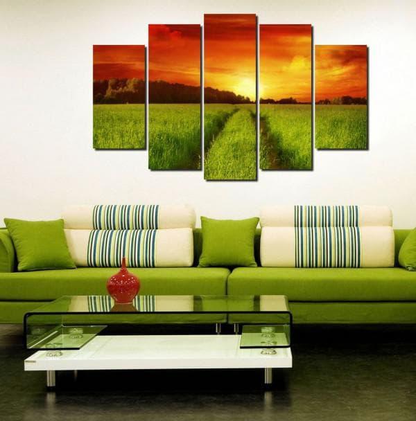 интерьер гостиной с модульными картинами