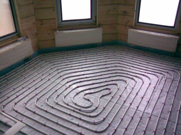 инфракрасный теплый пол в нестандартного размера комнате
